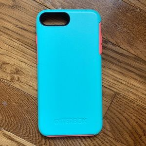 Otterbox iphone 7+ case